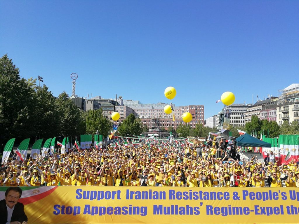 5,000 Iranians Demonstrate In Stockholm Against European Support For Regime